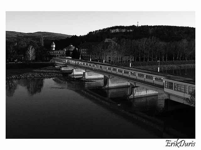 Príbeh Skleného mosta